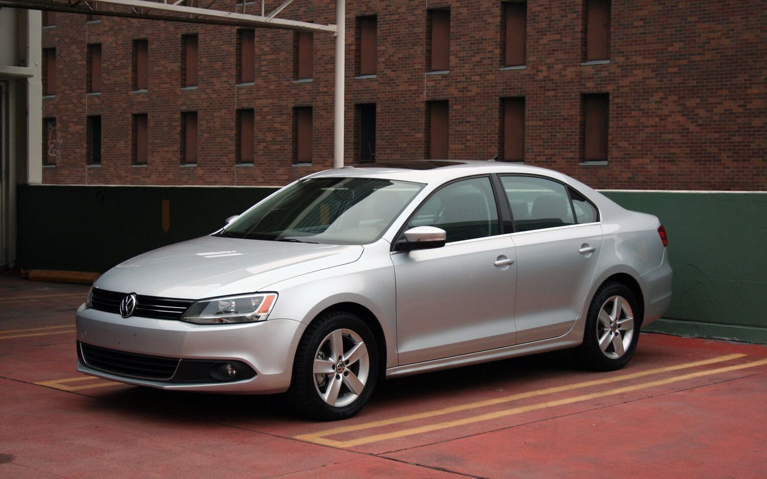 3-2011-volkswagen-jetta-tdi-in-historical-general-petroleum-garage